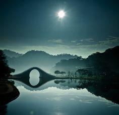 Taiwan's Gorgeous Moon Bridge - My Modern Metropolis