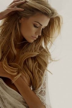 #pretty #beautiful #cute #gorgeous #trendy #hair #waves #wavy  #curls #curly #blonde #highlights #hairstyle #inspiration #idea #beauty