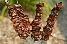 Hugs & CookiesXOXO: MAPLE GLAZED BACON SKEWERS DRIZZLED WITH CHOCOLATE