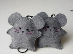 Little felt mice decorations