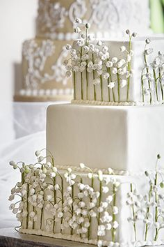 Lily of the Valley Wedding Cake but with color instead of the white background