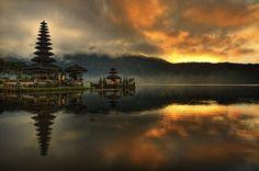 Lake Bratan, Bali - Indonesia