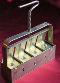 Garden plant germination equipment on pinterest for Soil block maker