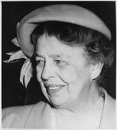 Eleanor+Roosevelt.gif (537×600)