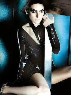 Winona Ryder by Mario Testino for V #86 Fall/Winter 2013.14