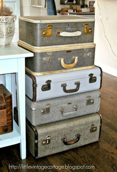 One of Windermere Tri-Cities clients blog!  We heard over and over at each showing how AMAZING she decorates her home!  Little Vintage Cottage - Vintage Suitcases