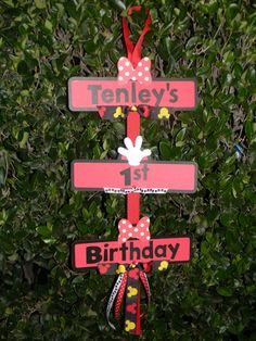 minnie party sign