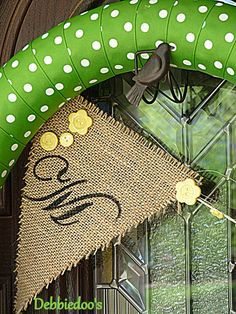 burlap, summer crafts, noodl wreath, craft activities, uses for pool noodles, pallet, pool noodle wreath, diy projects, kid summer