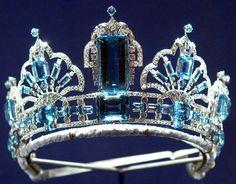 Close up  - Brazilian Aquamarine Tiara owned by Queen Elizabeth
