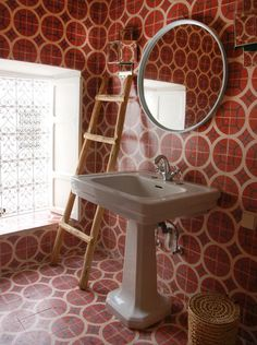 Red Bath - cement tile