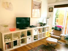 More expedit TV stand love.