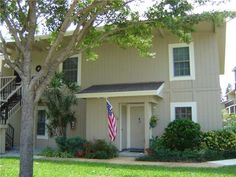 Fabulous First Floor Townhome With Two Beds And Three Baths
