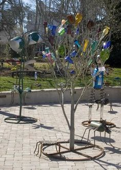 look at all the animals, and the bottle tree!