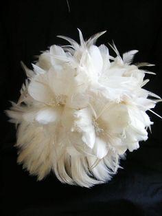 COUTURE WHITE BRIDE Feather bridal bouquet