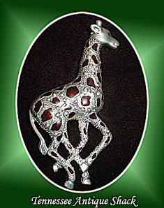Giraffe Brooch Pin