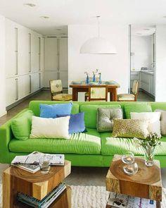 green sofa!