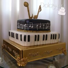 Golden  music cake