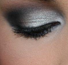 Grey Smokey Eye Makeup How To