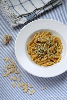 Creamy Penne with Garlic - Delicious creamy pasta without cream. (easy recipe)