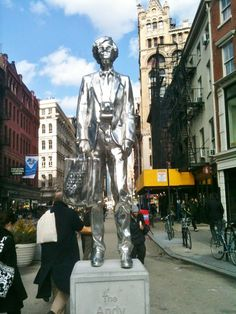 Gracias @indiral ! @NewYorkando Andy Warhol en Union Square