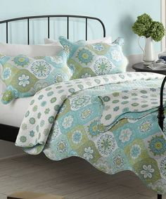 Aqua & Green Quilt Bedding