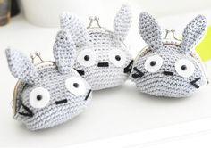 Fuente: http://missbajocollection.deviantart.com/art/Totoro-452804005