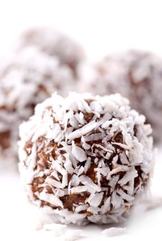 Date Coconut Balls from Miso Vegan @Amanda Snelson Snelson Gettelfinger