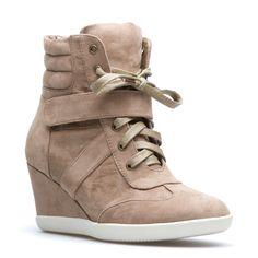 sporty heels