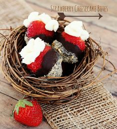 Strawberry Cheesecake Bites  #ValentinesRecipes  #Recipes  via www.thistlewoodfarms.com