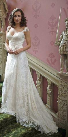 i like this dress, very pretty