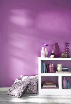 Radiant Orchid decor