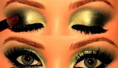 Green smokey eye.