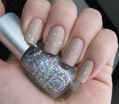 Glitter Mannequin Manicure (Love the shape of her nails)