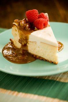 Cheesecake with Praline Sauce