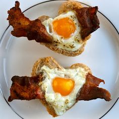 Valentine's Day Bacon, Egg & Toast Cups
