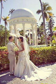 DESTINATION WEDDING IN PUNTA CANA, DOMINICAN REPUBLIC AT THE MAJESTIC ELEGANCE RESORT