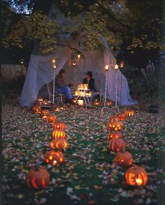 Karin Lidbeck - I would love to set up something like this for our Martinmas dinner, lining the walk with lanterns.