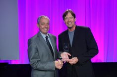Actor Kevin Sorbo receives Public Leadership in Neurology Award