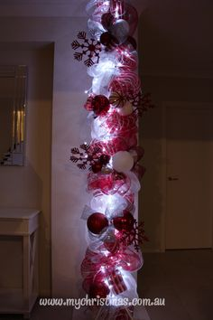 Christmas Display using mesh in peppermint red & white.  Full instructions on how to make it.  www.mychristmas.com.au
