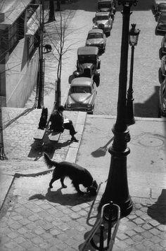 Montmartre, Paris, 1958, Photo: Henri Cartier-Bresson.