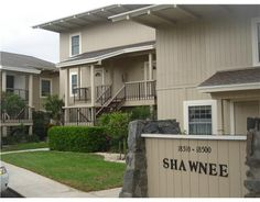 Move In Ready Beautifully Maintained Condo With Two Beds And Three Baths
