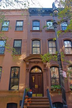 carrie bradshaw's apartment #sexandthecity // NYC