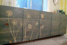 Here's a tutorial on how to use wood glue, stencils, and wood stain to create amazing #DIY art! This is perfect for #upcycling furniture or for creating unique pallet art. #woodglue