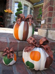 holiday, idea, polka dot, pumpkin decorating, fall decorating, painted pumpkins, fall pumpkins, bow, halloween