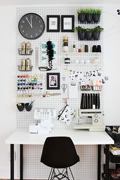Fun   Feminine Desk Organizing