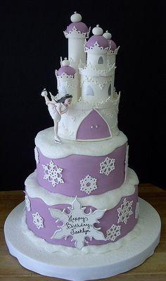 ice castle cake http://cakedecoratingideas-easytechniques.blogspot.com/ #cake_decorating_ideas #cake_decorating_techniques #dwedding_cakes #birthday_cake #baby_shower_cakes #cake_design