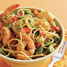 Sesame Shrimp Ramen (use whole wheat spaghetti & Fresh & Easy thai peanut sauce.) SUPER EASY