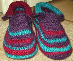 Women's Padded Sole Slippers by Sue Norrad ~ This pattern is available for free.~