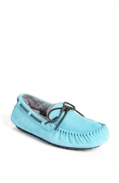 Baby blue UGG slippers. www.ugg.de.vc   All kinds of colorsfor ugg shoes #ugg#ugg boots#boots#winter boots $85.6-178.99