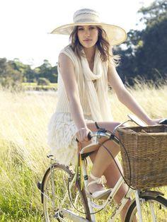 Stunning Fashion Editorials by Corrie Bond | Abduzeedo | Graphic Design Inspiration and Photoshop Tutorials